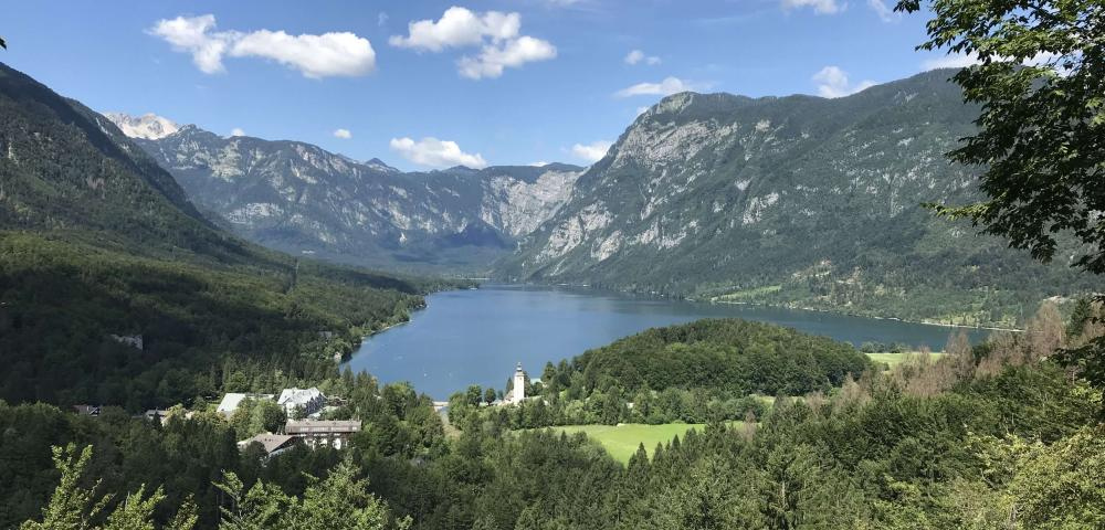 Vandrovc-Globetretter, Hiking in Slovenia, Bohinj Lake
