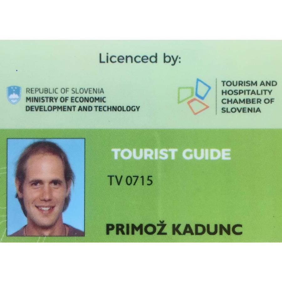 Vandrovc-Globetretter, Tourist guide licence